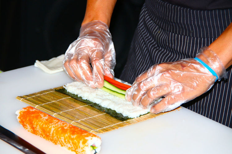 Precision Sushi Sushis Hands At Work Food Fish Fisch