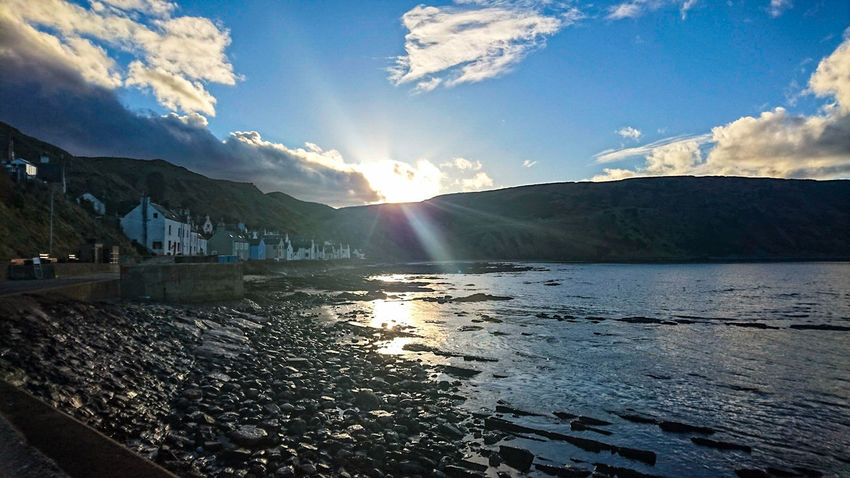 Cliffs Photography Photo LoveNature Houses Evening Sky Colors Beachphotography Gardenstown Nature Cliff Lake Scenics Sunlight Sky Water Beauty In Nature Sunset