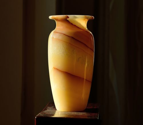 Zomaar een vaas ? Stone - Object Looking At Things Light And Shadow One Decorative Art Eyeemphotography Yellow Brown Eye4photography  Vase Decoration Vase Art Vase Bottle No People Indoors  Table Close-up