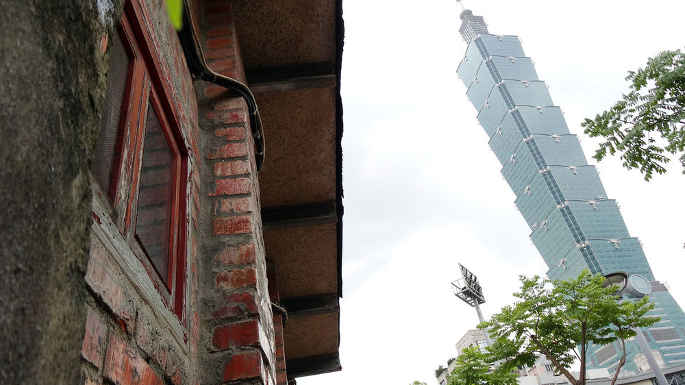 Old And New Old And New Buildings Taipei 101 Taipei,Taiwan Architecture Building Exterior Built Structure Compared Day Low Angle View No People Old And New Buildings Old And New Buildings. 😊 Outdoors Sky Staircase Steps Taipei Tree