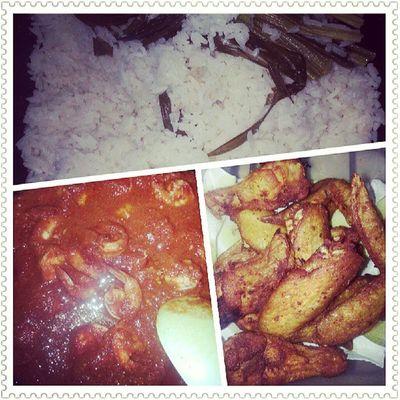 Nasi Lemak for dinner ! Thank you mummy !!! ;)