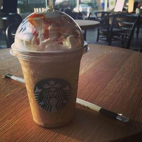 Mniam no Starbucks Drink Coffe Carmel Najlepsze Star Bucks Yummy The Best  Fashion Instamood