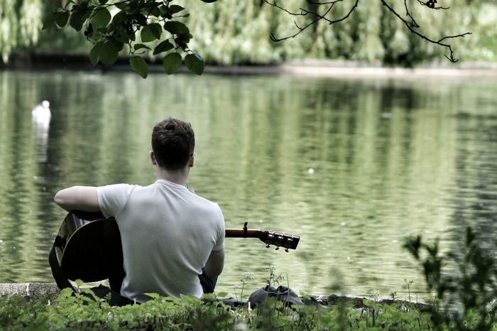 I have nature and art and poetry. And if that is not enough, what is enough? Nature Poetry Music Guitar Guitar Player Regentspark London Lake Londra Park Silence Chitarra Musica Inspirational Parco Trees Streetphotography People PlayingGuitar Relaxation Alone Dreaming