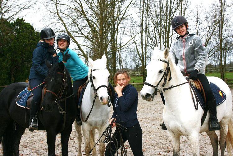 Mesvies Poney Enjoying Life Horse Riding Autop Poney 💚 Equitation ! Dimancheapresmidi EyeEm Souvenirs Sunday Shamrock