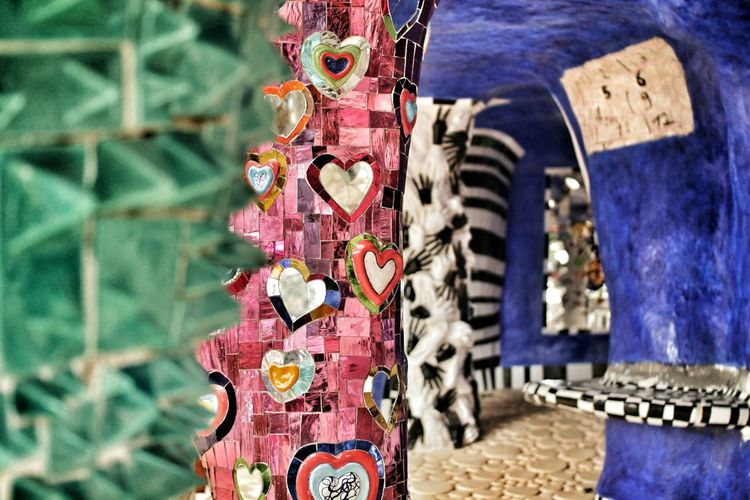 Love is in the air 💗 Hearts Love Colours San Valentino Saint Valentine's Day Mosaico Mosaic Giardino Dei Tarocchi Grosseto Tuscany Italy Afternoon Romance Mirrors Mirror Reflection_collection Reflections Architectural Detail Details Gaudi Toscananelcuore Toscana Art Creativity Eyem Gallery