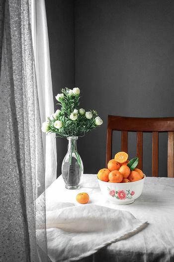 orange in bowl