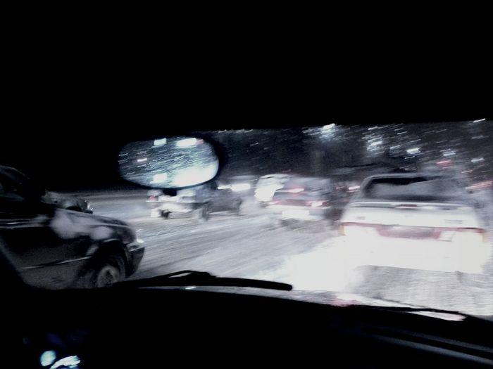 5 рядов....авария из 5 машин...и снег....