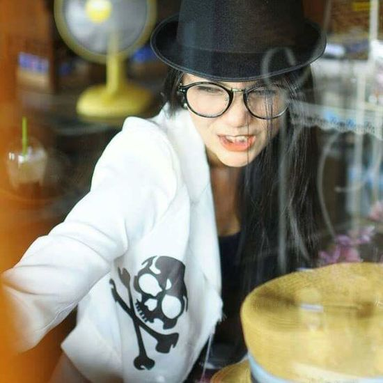 Young Women Eyeglasses  Women Portrait Beautiful Woman Beautiful People Reflection Water