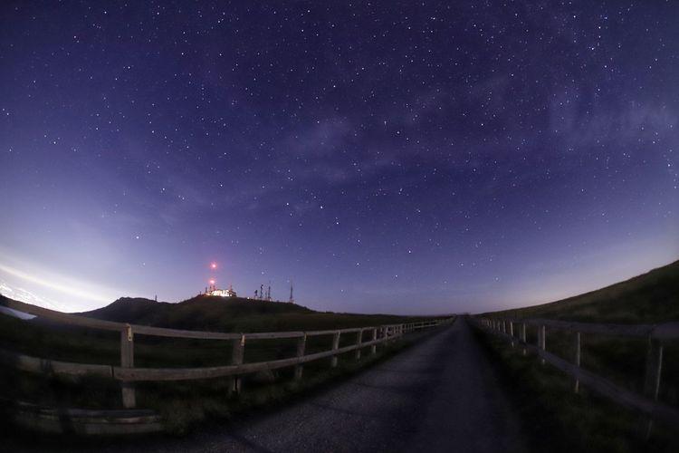 8月の思い出・・・体が重いで・・・減量しないと😅 銀河鉄道の夜♪ 鉄塔♡Love 星いのはレンズ 一目惚れんず Astronomy Galaxy Milky Way Star - Space Constellation Mountain Star Field Infinity Sky