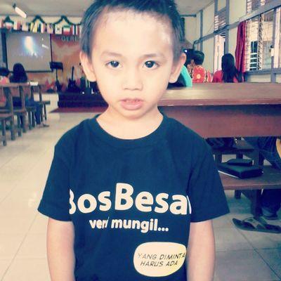 "Hahahah nice shirt... ""Bos Besar Versi Mungil"" hahahah cool Mycutebro"