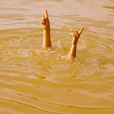 We Refused To Sink Even When The Waters Of Our Own Vitasta Turned Murkey Kasheer Kashmir KashmirWillRise KashmirRose Refusetosink Rebel Revo Revoshotsphotography Revoshots ExploringUnknown IExploreKashmir IExplore PowerOfWe UnitedKashmir