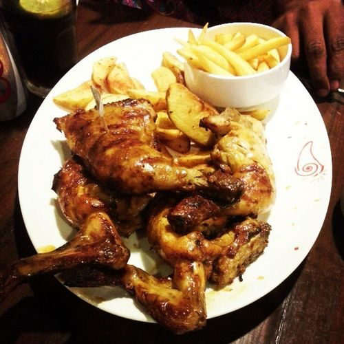 Nandos~where your tastebuds meet heaven Chicken Fries Wedges Tasty delicious nandos yummy @yummiii_ @juhainahiz