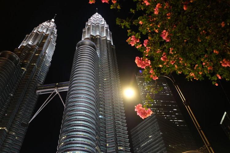 KLCC Tower KLCC Twin Towers KLCC❤❤ KLCC Park Office Building Exterior Kuala Lumpur Malaysia  Night Architecture Built Structure Light Klcc Landscape No People