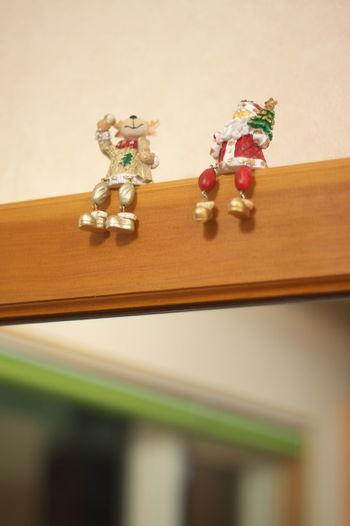 昨日行った、行きつけの床屋さんで、鏡の上に サンタさんが座ってました。 サンタクロース トナカイ Santa Claus Reindeer クリスマス Merry Christmas Xmas Dolls Doll