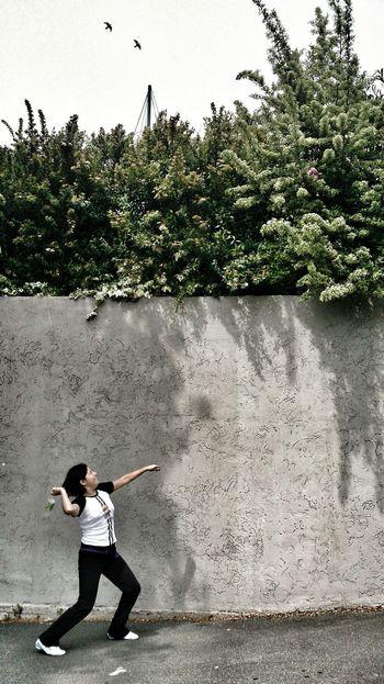 Dos pájaros de un solo tiro! Capturing Movement Snapshots Of Life The Street Photographer - 2014 EyeEm Awards The Moment - 2014 EyeEm Awards Bird