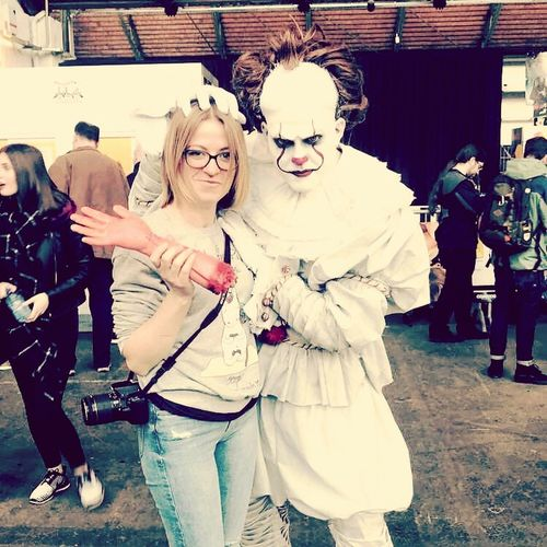 Belgium Brussels Belgium. Belgique. Belgie. Belgien. Etc. Comiccon2018 Brussels❤️ Comiccon Comicconbruxelles Amusement  IT CA Clown Horror Horror Photography Togetherness Men Women Blond Hair Mask - Disguise Disguise Friend Trick Or Treat Mask Posing