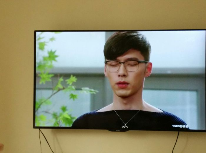 I LOVE K-POP Watching Korean Series 海德哲基尔与我
