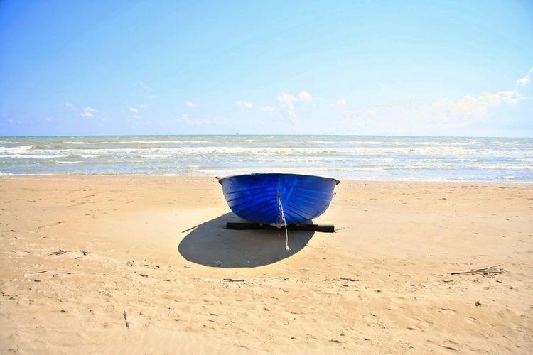 ingrandimenti Paolocapelli Italia Ingrandimenti Water Sea Beach Blue Sand Summer Wave Sky Horizon Over Water Cloud - Sky Shark Beach Umbrella Tranquil Scene FootPrint Sunshade Jellyfish Coast Tide Seascape Surf