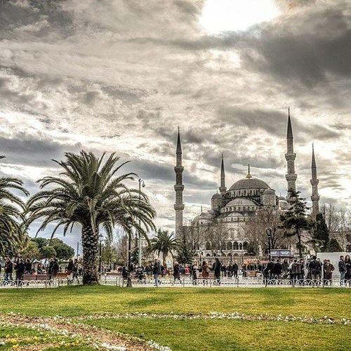 Istanbul Fatih Sultanahmetcamii Sultanahmet bluemosque cami mosque ramadan ramazan architecture architech mimari islamic islamicart sultanahmed