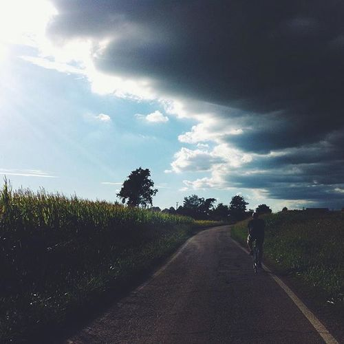 """Houston, we have a problem!"" Clouds Skyporn Landscape Igersitalia Igersmilano Cycling Sunday Italiansummer Storm Road Fixedgear Countryside Pedala"