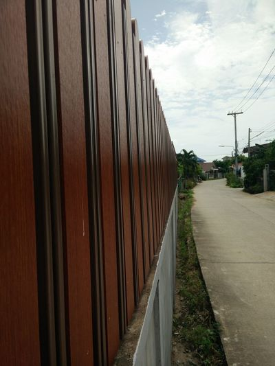 Wood Lath Diagonal Fence Wayside Outside Walkway Brown Painted Wood Look At,,, Trees Green Trees Electric Pole Sedge Wall Cement Wall At ร้านท้ายทุ่ง 85/2 หมู่ที่ 2 มะเกลือเก่า สูงเนิน นครราชสีมา ไthailand