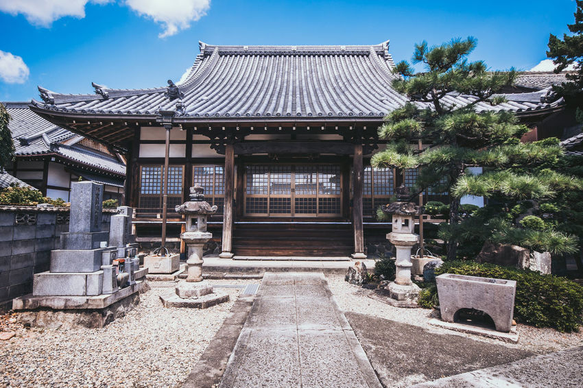 A small temple in the town, Inuyama, Japan Inuyama Japan Travel Trip Architecture Buddhism Building Exterior Built Structure History Old Religion Spirituality Temple Traditional 日本 犬山