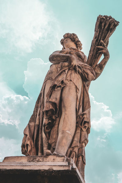 Florence gard Florence Italy Florence Italy Old Town Canonm100 EyeEm Selects Ancient Civilization City Sculpture Statue History Sky Architecture Cloud - Sky Civilization Archaeology Ancient Rome Historic Ancient History The Past Ancient Old Ruin Monument