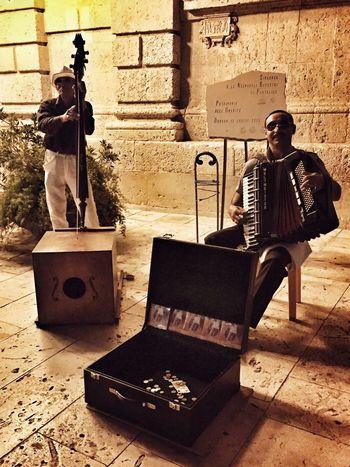 Artist Artistic Street Art People Watching Night Lights Walking Around The City  EyeEm Best Shots Music Musician Live Music Ortigia By Night Duomo - Ortigia