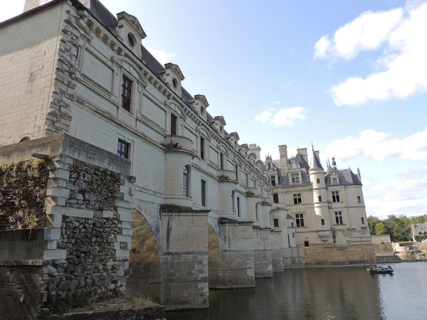 Chenonceau Chenonceaux Chenonceau Castle Loire Loire Valley Loire River France Built Structure Building Exterior Architecture Sky Building Water Residential District Nature Cloud - Sky No People Day Waterfront City Window History Outdoors River The Past Travel Destinations