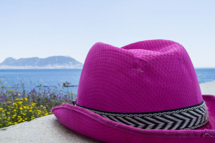 Looking for holidays Algeciras Andalucía Colors Farbe Gibraltar Landscape Gibraltar Rock Gibraltar Views Gibraltar And Sea Happiness Hat Life Pink Summertime Vacation Time Vacations Blau Blue Gibraltar Hut Lifeoutside Lifestyles Seascape Summeriscoming Vacaciones Verano