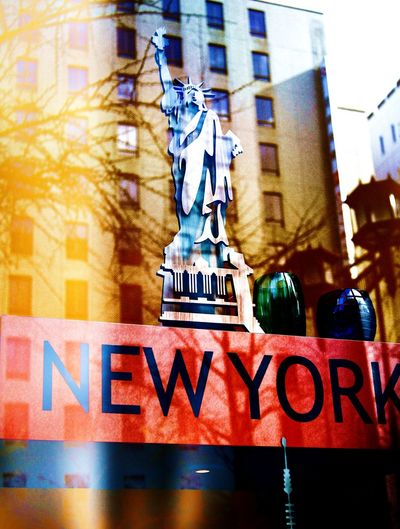 Newyork,Pisa,Island... Canon Eos  Canon EOS 7D Mark II Color Colorful Colors Display EyeEm Hello World Island Newyork Photostock Pisa Tower Red Shoping Shot Statue Of Liberty Symbol Window Window Display Winter Yellow Seeing The Sights