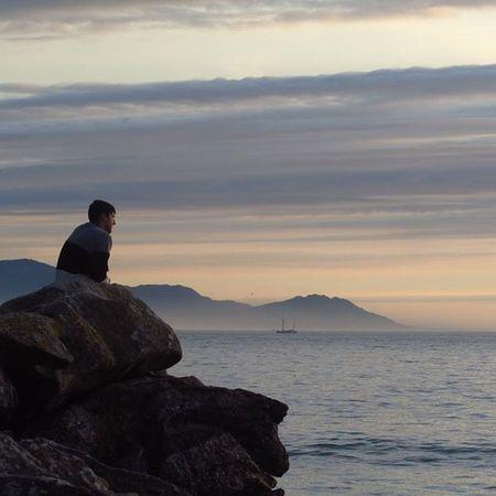 Different Horizons ⛵🌅Sea Sunset Atlanticsea Galifornia Riasbaixas Zenplaces Beach Manontherocks Withoutfilters Canonshot Photography Coast Sail Westcoastspain Meetgalifornia Bay Coastplaces Igersspain