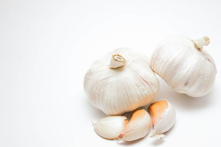 fresh garlic White Shine On ✨ Table Garlic! Paper No People Plant Food Onions Vegetable Garlic Butter