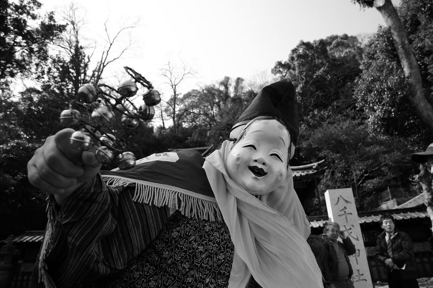 Eos5dmarkiii Carnival Streetphotography Tree Real People Outdoors Day Celebration Looking At Camera Two People Boys Human Body Part Childhood Portrait Sky Halloween Human Hand Nature People
