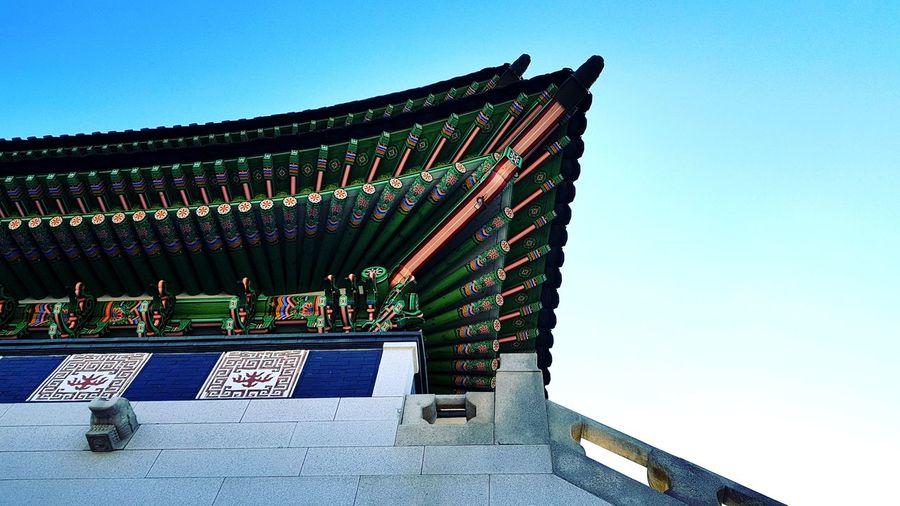 At Gyeongbukgong Palace. Korea2017 Korea Travels Palace Gyeongbokgung Palace Architecture History Art