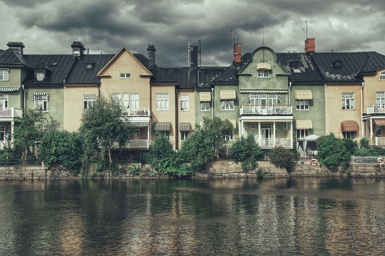 Plz follow on Facebook https://www.facebook.com/niklasstormfoto/ Niklas Storm Augusti 2018 Water City Cityscape Sky Architecture Building Exterior Built Structure Cloud - Sky Residential District Residential Structure Settlement Human Settlement Exterior Rooftop House Building TOWNSCAPE Dramatic Sky Residential Building Waterfront Calm #urbanana: The Urban Playground Summer In The City My Best Photo