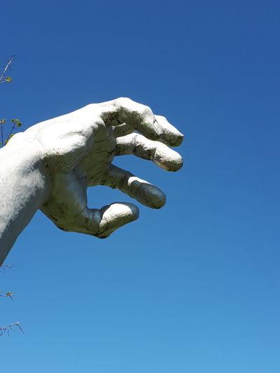 Hand Giant