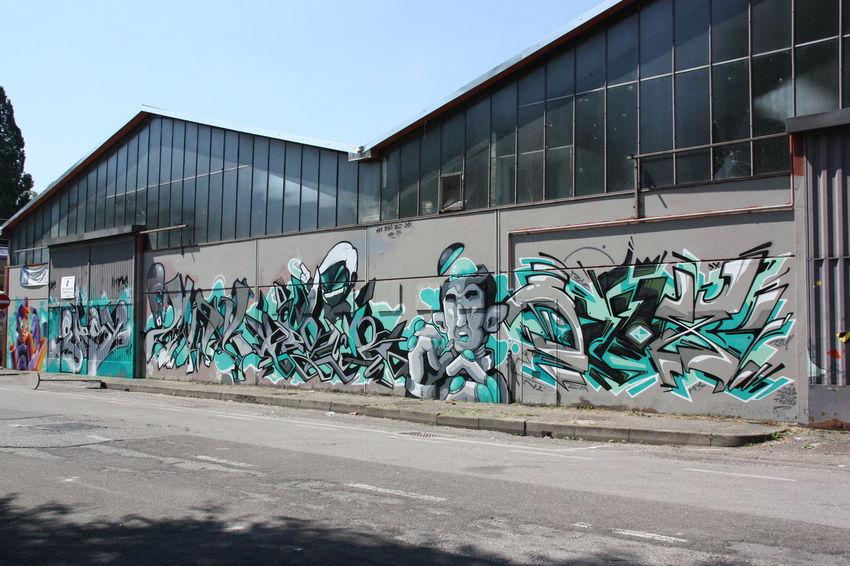 Street art/Graffiti Colors Graffiti Art Murales Muralesart Outdoors RePicture Growth Showcase: December Streetphotography
