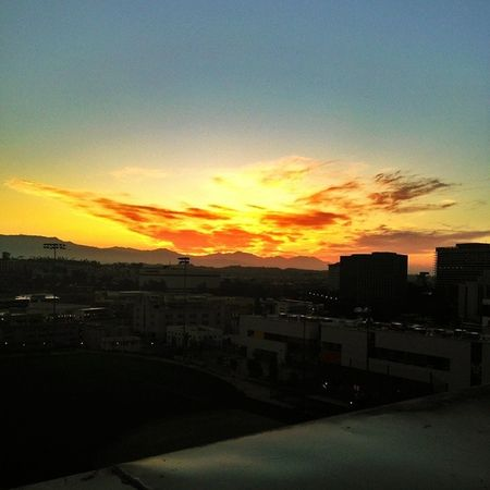 Morning picture from the roof top of my job. Cityoflosangeles Sunrise Tgif Offwork blessedmorning skyviewers