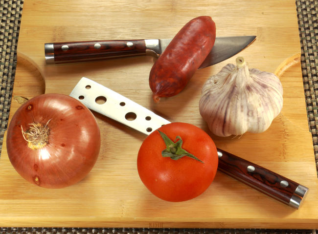 Ajo Cebolla Chorizo Composition Cooking Food Food And Drink Garlic Healthy Eating Healthy Food Healthy Lifestyle Kitchen Knife Knifes Onion Sausage Studio Table Tomate Tomato Wood
