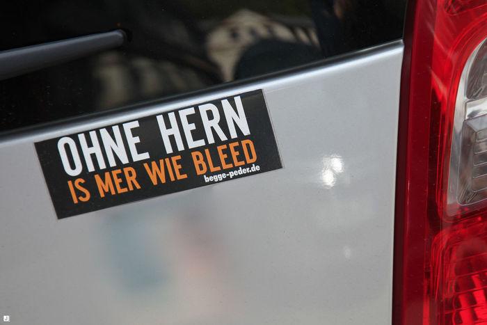 Ohne Hern (Gehirn) is mer wie bleed !! ;o) ... Blöd Carsticker Gehirn Hirn Information Sign Journey Sticker Stickerart