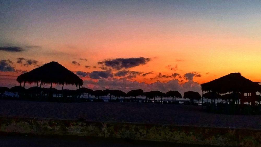 Amanecer Playa Miramar