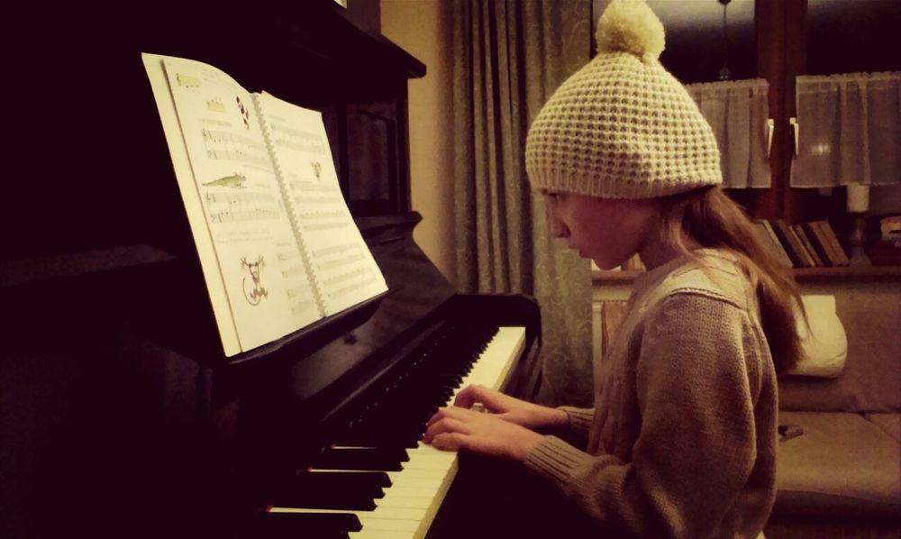 Piano Für Oma Portrait Home