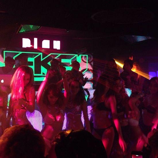 Bikini party @ LKF LanKwaiFong Trip HongKong 2014 val iphone5