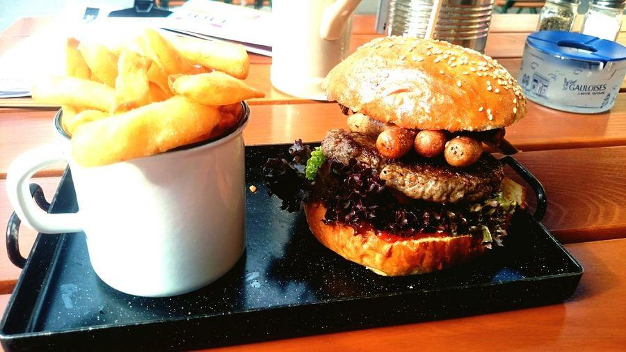 DasBesteWasEinerWurstPassierenKann Lecker Burger Buddiesburger