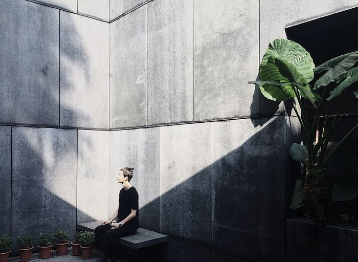 Asia Society, HK 🌿 Shadows & Lights Shadowplay Shadow Photography Concrete Concrete Wall Green Greenery Leaf One Person Young Adult Only Men Portrait Outdoors Architecture People HongKong One Man Only Model Sunlight Sunlight And Shadow