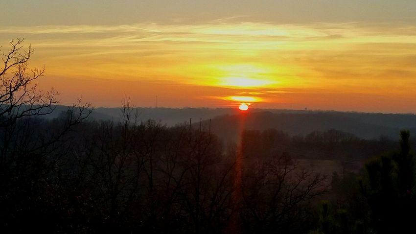 nature's sunset & sunrays Sunset Sun Sunlight ☀ Rays Of Light Rays Of Sunshine Rays Of The Sun Nature Sky Sky Sky And Clouds Dusk Countryside Sunset Sun Scenics Beauty In Nature Orange Color Nature Tranquil Scene EyeEmNewHere