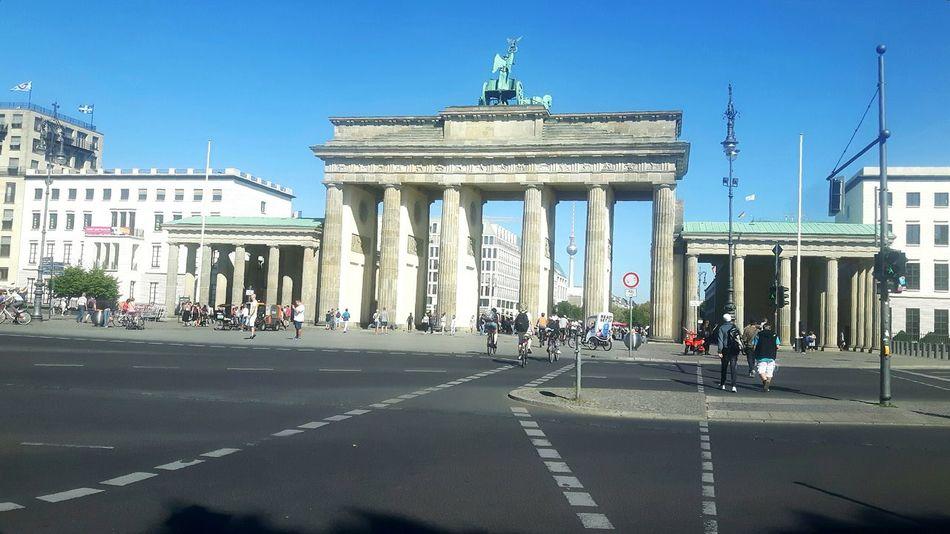 Historical Sights Brandenburger Tor Brandenburg Gate Brandenburgertor Berliner Ansichten Berlin Berlin Street Markets Berlincity Berlin, Germany  Berlin Mitte Berlin Photography