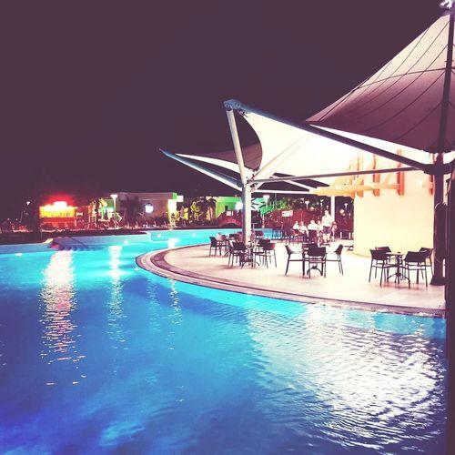 pool bar Water