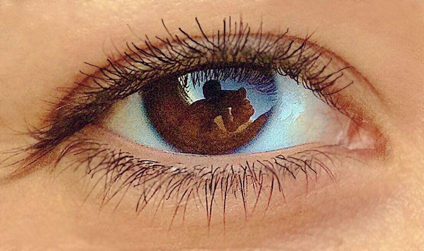 Eye Reflection IPhone Beauty